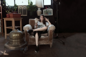 Interview with CRLN For the release of her first EP, 'Caroline'