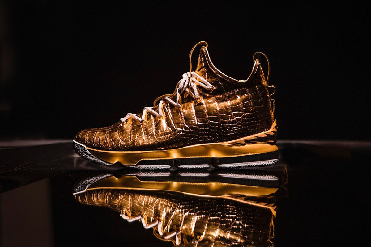 A golden shoes for the King
