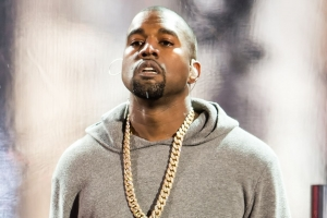 Kanye West presenta Facts Il suo tributo al 2015 in musica